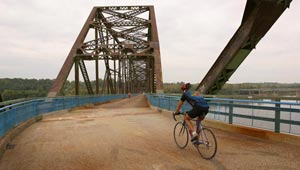 Confluence Greenway, Missouri. Photo: Michael Defilippp