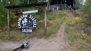 Chainsaw Sisters Saloon, Minnesota. Photo: William Poole