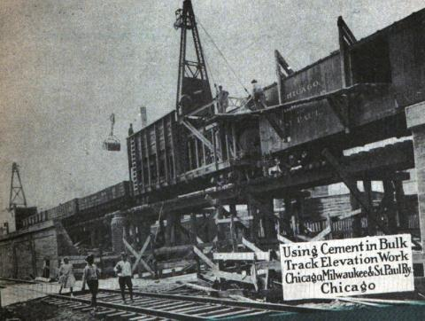 Historical photo of workers building an elevated rail-line in Chicago