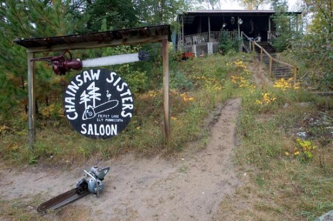 Chainsaw Sisters Saloon, Minnesota. Photo: William Poole  Chainsaw Sisters Saloon, Minnesota. Photo: William Poole