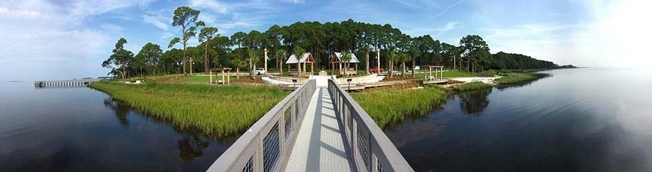 A panoramic image of Island View Park from the dock